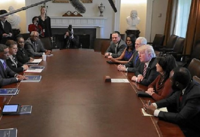 MR posible cover CBC Trump - ct-afp-getty-president-trump-meets-with-members-o-20170325